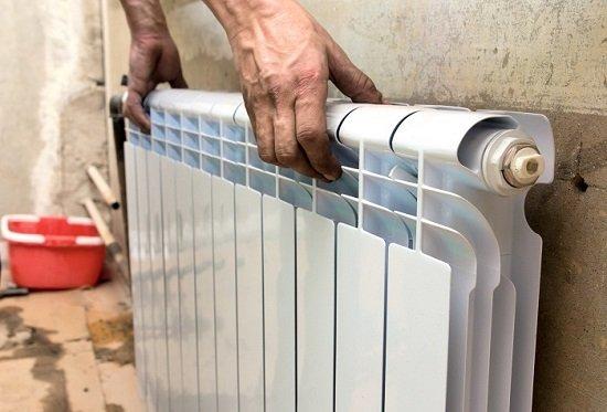 Будь у вас отопление лоджии от центрального отопления или это нужно сделать на балконе, вам нужна врезка перед радиатором у балконного блока: