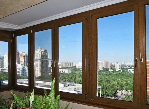 Четырехстворчатое остекление устанавливается на балконах и лоджиях, чтобы в помещение проникало больше света