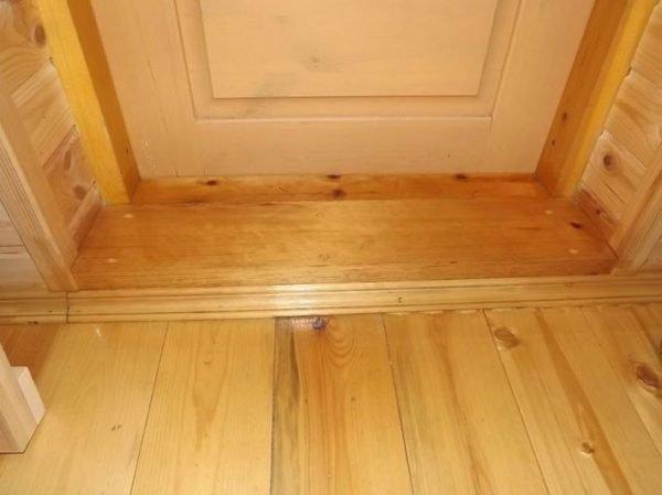 Деревянные пороги для двери