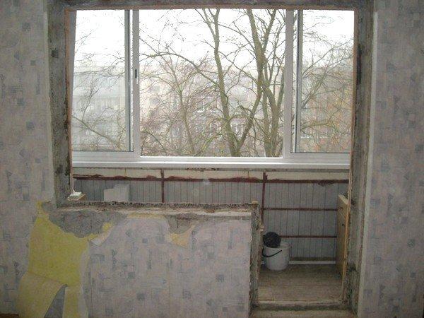 Демонтаж балконной двери из пвх видео.