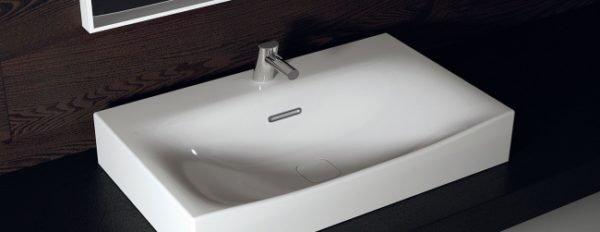 Фарфор легко моется и долго сохраняет чистоту.