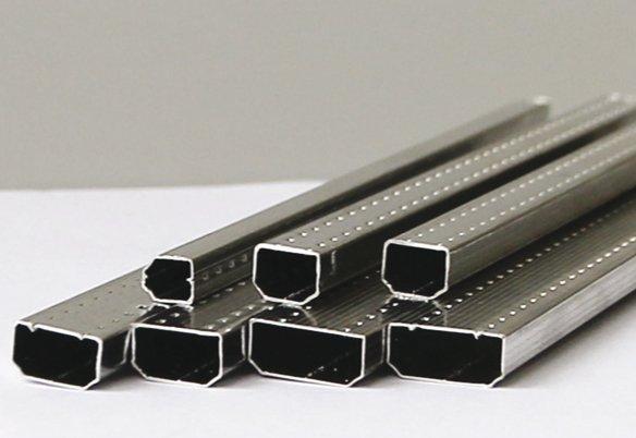 Фото дистанционных рамок разной ширины: именно от размера этой детали во многом зависят теплотехнические характеристики изделия
