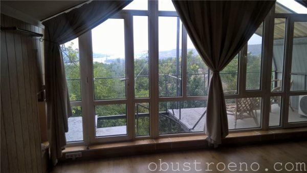 Французское окно в моей мансарде.