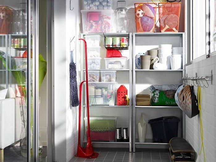 Хранение на балконе: ящики и другие системы, как организовать ...