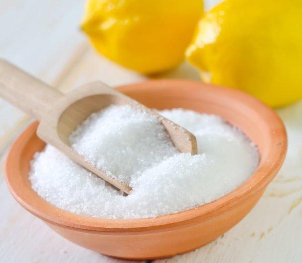 Лимонная кислота хорошо справляется со всеми видами налетов