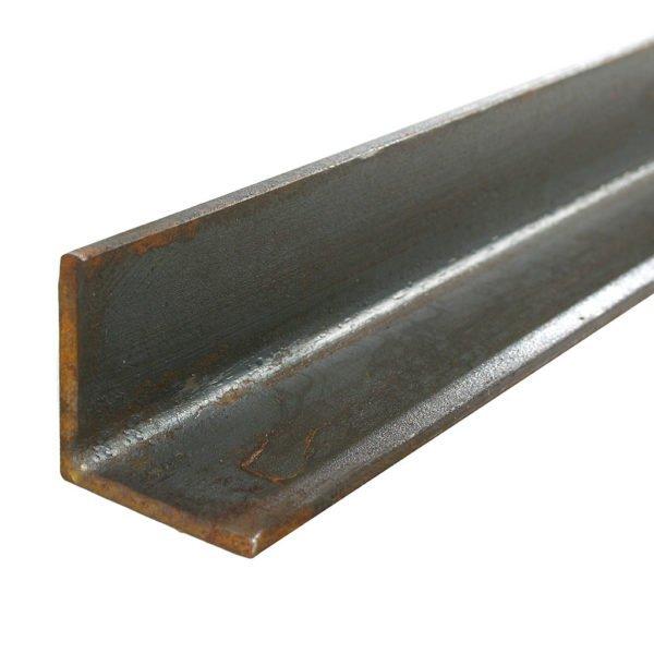 Металлический уголок сечением 50х50х5 мм