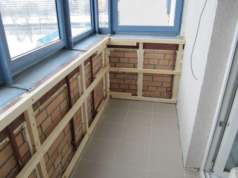 Как своими руками обшиваем балкон панелями 821