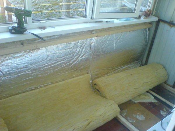 На балконе можно комбинировать разные утеплители