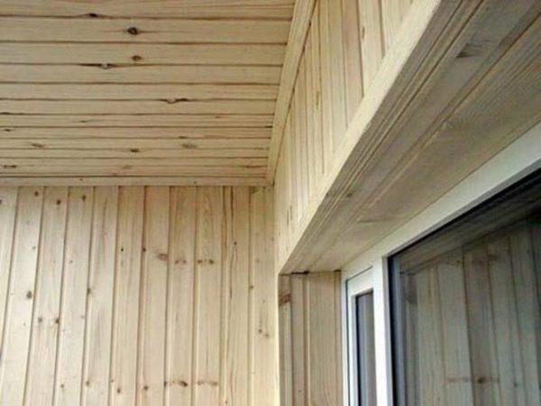 Не обработанная древесина.