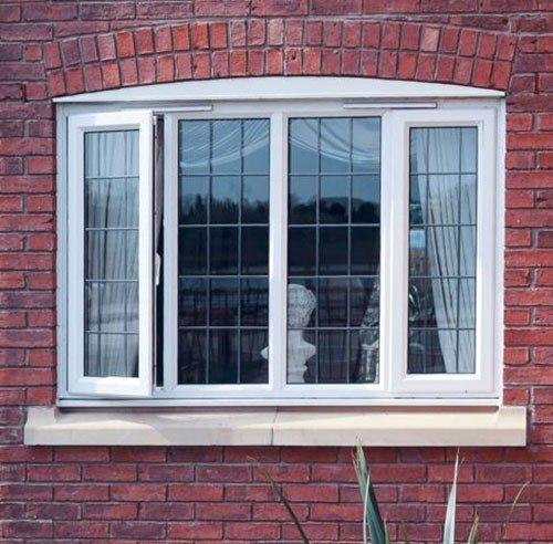 Обустройство пластикового окна в кирпичном доме.