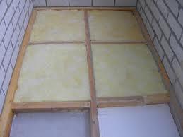 Обязательно выполнение гидроизоляции при утеплении балкона минеральной ватой.
