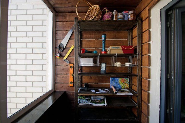 Стеллаж на балкон: деревянные, металлические конструкции из .