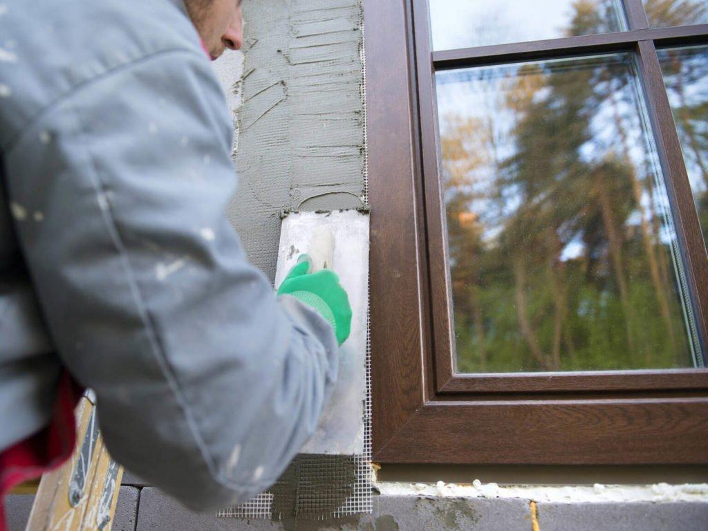 Оштукатуривание зазоров, заполненных строительной пеной