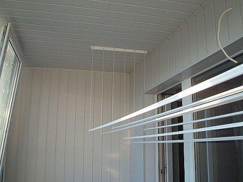 Пластиковая отделка балкона.