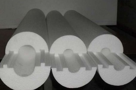 Плотные «скорлупы» из пенопласта для труб разного диаметра
