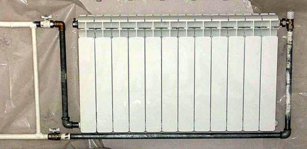 При диагональном подключении батарея всегда будет горячей по всей длине.
