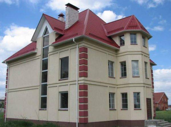 Пример отделки дома по технологии «мокрый фасад»