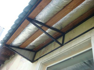 Пример устройства козырька балкона