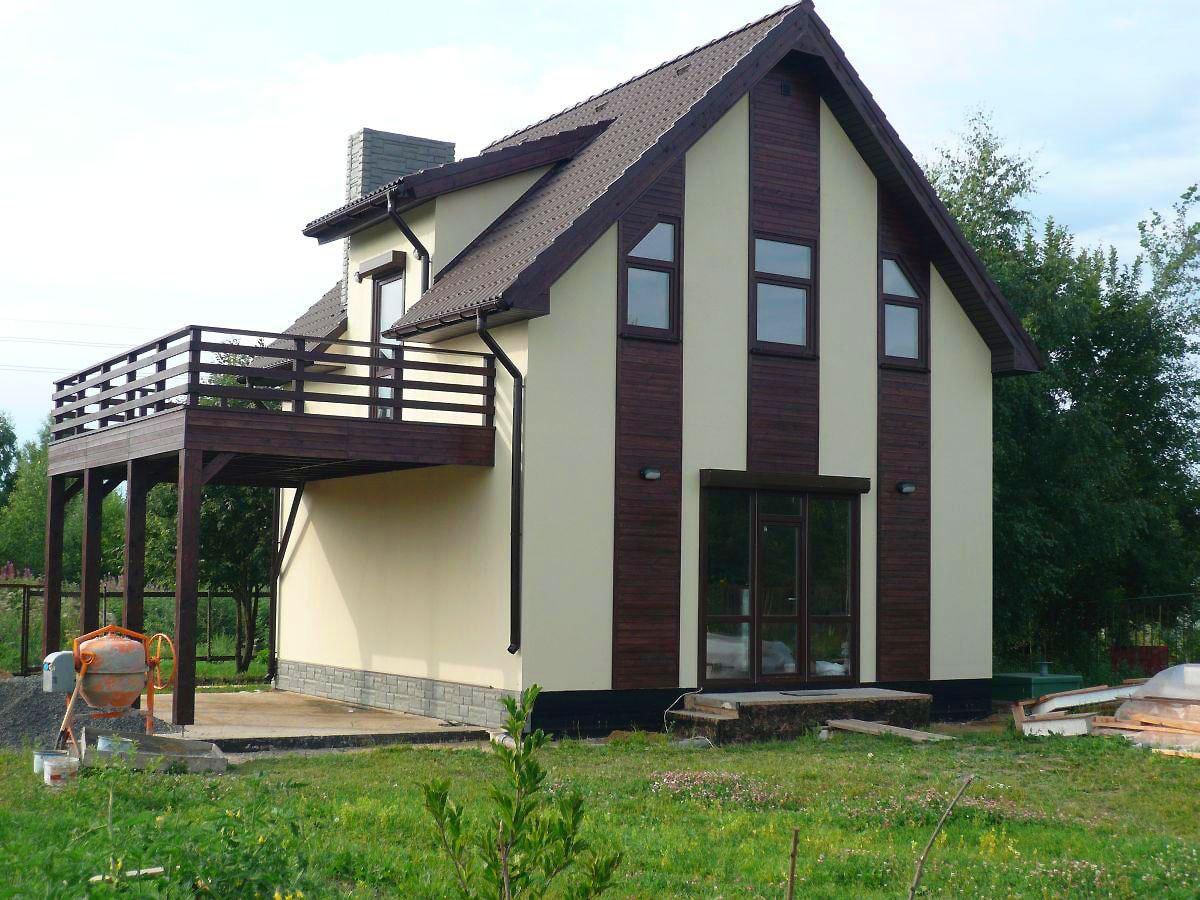 Отделка балконов частных домов.