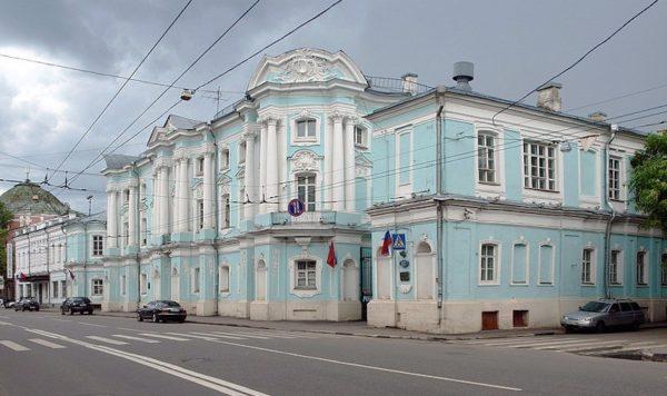Пристраивать балконы к домам-памятникам архитектуры строго запрещено