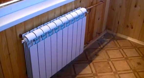 Радиатор на передней части балкона