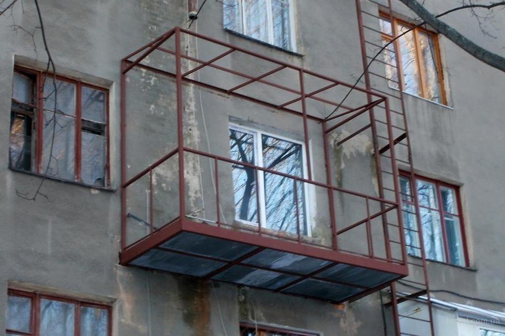 Парапет балкона: укрепление металлической конструкции и закр.