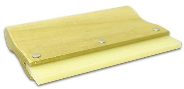 Шпатель нужен для удаления мыльного раствора между стеклом и пленкой