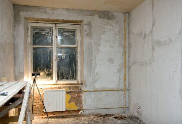 Штукатурные откосы можно увидеть в любом доме советской постройки, в котором не менялись окна.