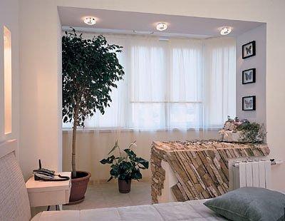 Соединение балкона со спальней.