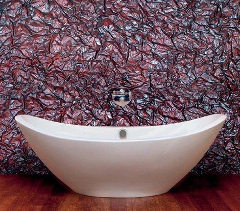 Структурная штукатурка в ванной выглядит очень эффекно.