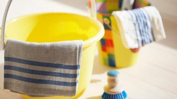 Тканевые полотенца можно заменить бумажными