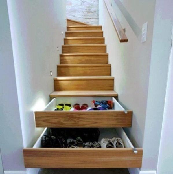 Удобно на балконе хранить овощи или просто строительную мелочевку