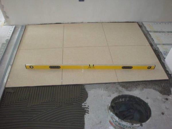 Укладка плитки на ГВЛ в ванной комнате