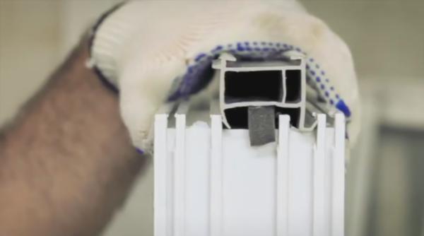 Уплотнитель - это всего лишь расходный материал, но он очень много значит для энергоэффективности готового остекления