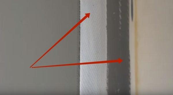 Установка армирующей сетки на стены.