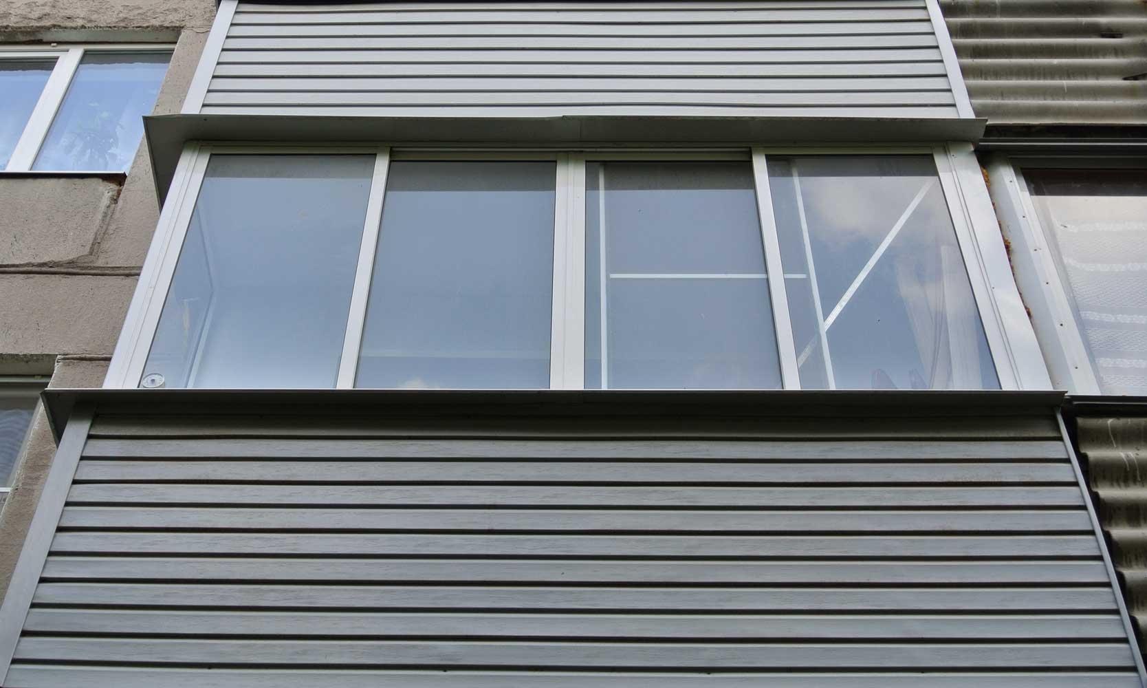 Внешняя отделка балкона: профнастил, вагонка, сайдинг.