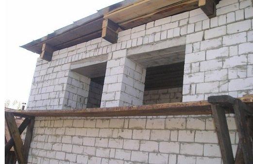 Вместо одного можно сделать два маленьких окна