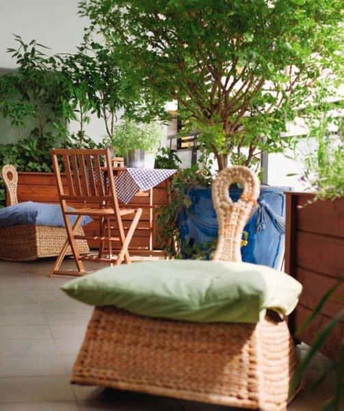 Выбор аксессуаров и мебели напрямую зависит от типа балкона