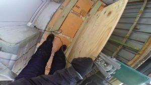 Пол из фанеры на балконе своими руками: инструкция по укладк.