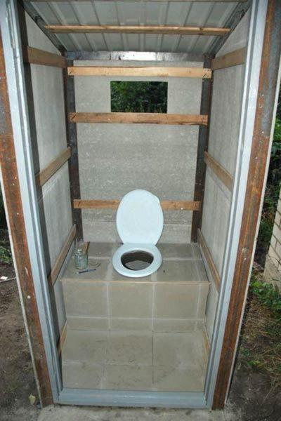 Как сделать уличный туалет с душем