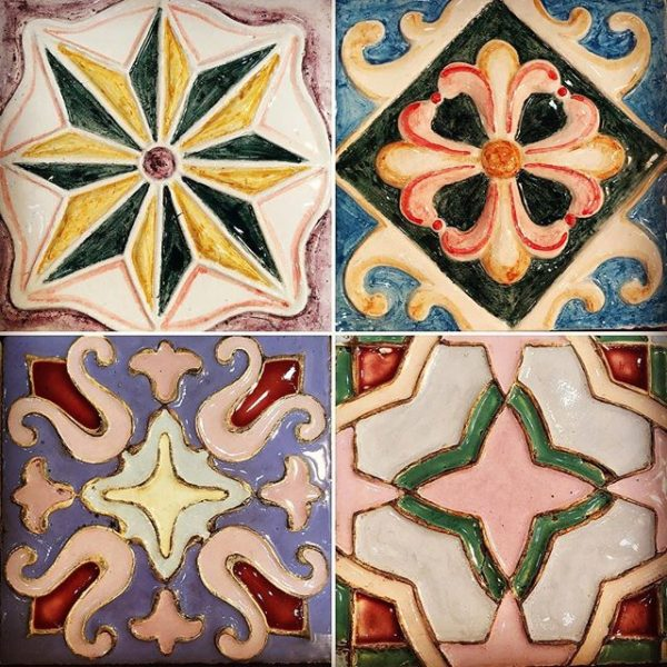 Фото майолики - глазурованной плитки