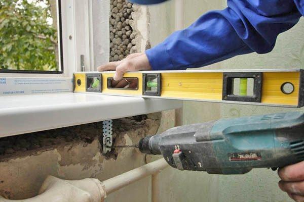 Использование металлических подпорок вместо деревянных клиньев.