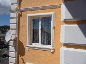 Наружный декор окна.
