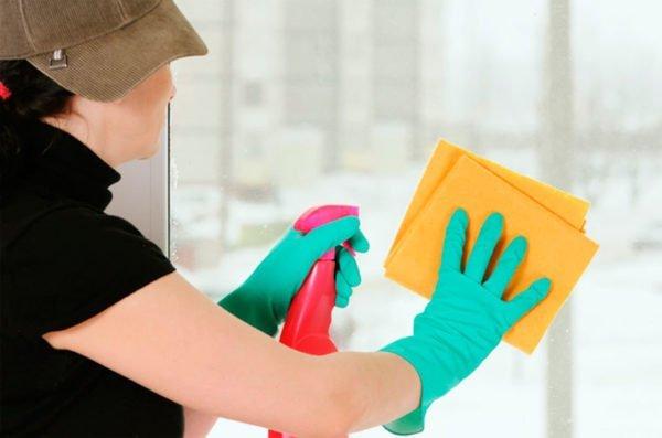 Независимо от того какой раствор используете работать лучше в защитных перчатках