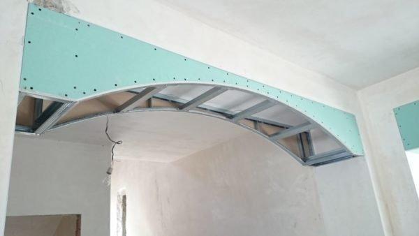 Общий вид металлического каркаса арки в сборе.