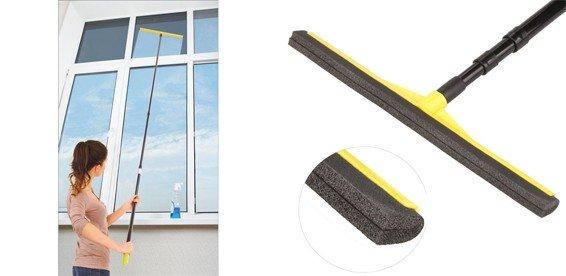 При помощи раздвижного устройства можно достать до отдаленных участков окна.