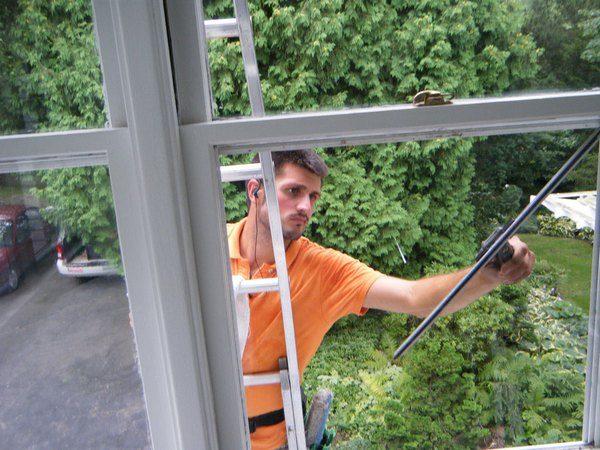 Как помыть окна без разводов.