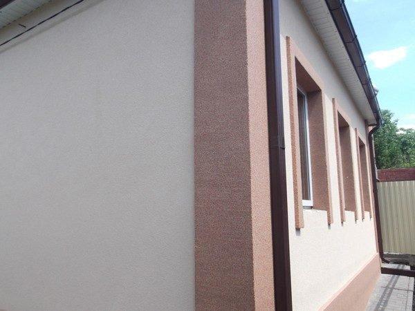 Штукатурка – достойный способ отделки фасадных окон