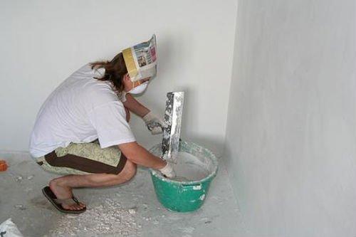 Штукатурка гипсокартона под покраску выполняется тонким слоем