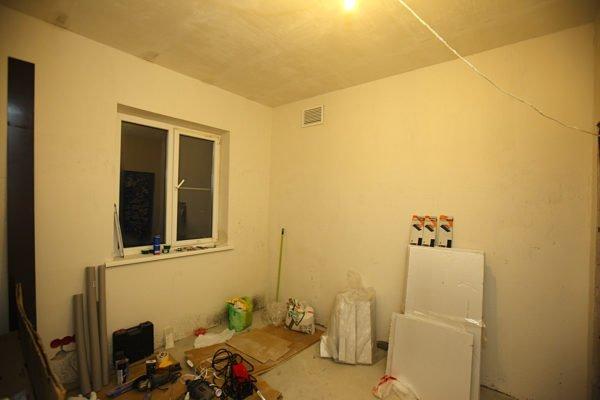 В современных домах каждая комната оснащается вентканалом.